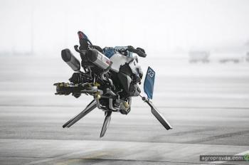 BMW разрабатывает летающий мотоцикл