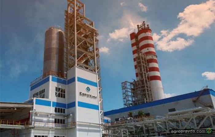 Украина ввела санкции против 18 российских поставщиков удобрений