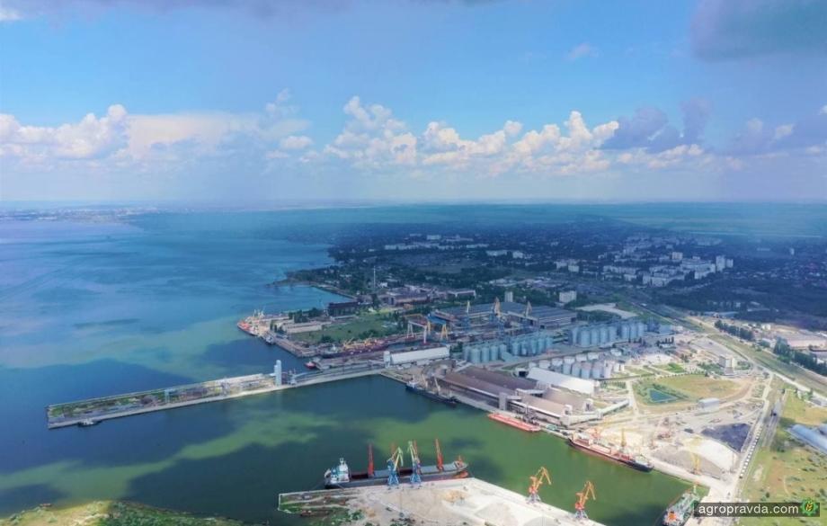 Порт «Ника-Тера» начал перевалку нового урожая зерновых
