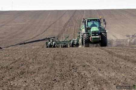 Рада приняла в 1-м чтении законопроект о приватизации земель сельхозпредприятий