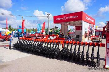 «Лозовские машины» представили инновационную сельхозтехнику на АгроЭкспо