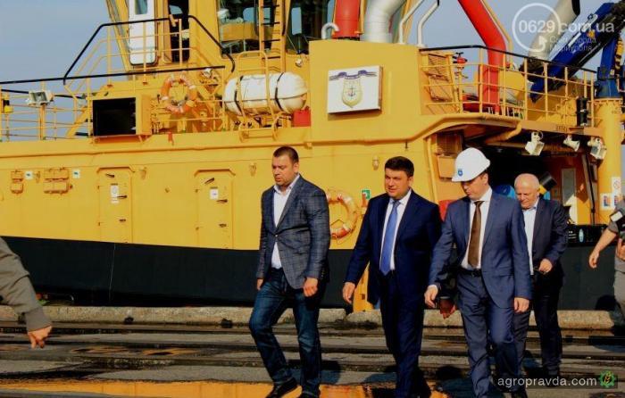 В Мариуполе начали строить зерновой терминал