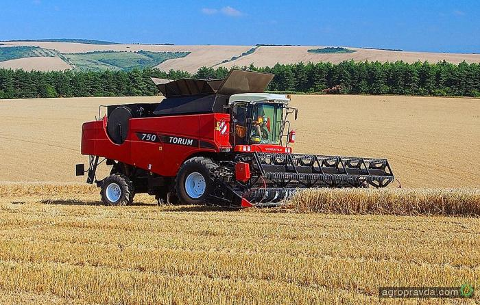 VERSATILE TORUM 750: вигідний зернозбиральний комбайн