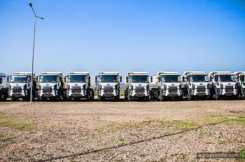 В Украине передана крупная партия грузовиков Ford Trucks