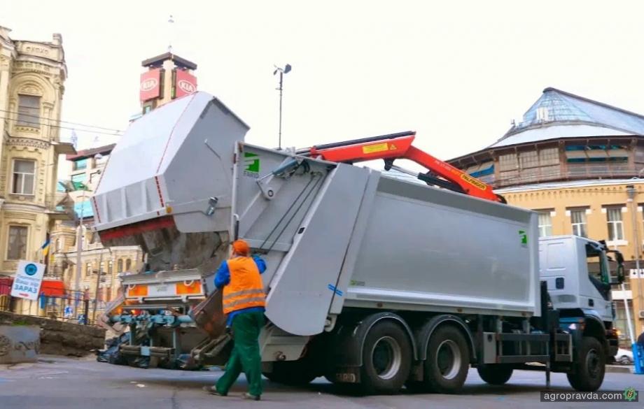 Инновационный мусоровоз на базе IVECO Trakker. Видео