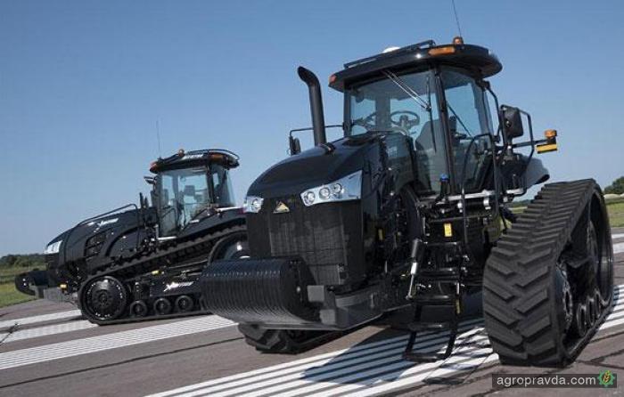 Challenger раскрыл тайну черных тракторов
