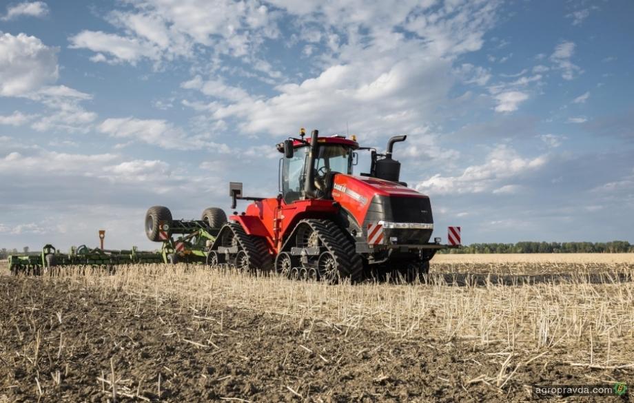 Case IH представляет новые серии сверхмощных тракторов Quadtrac