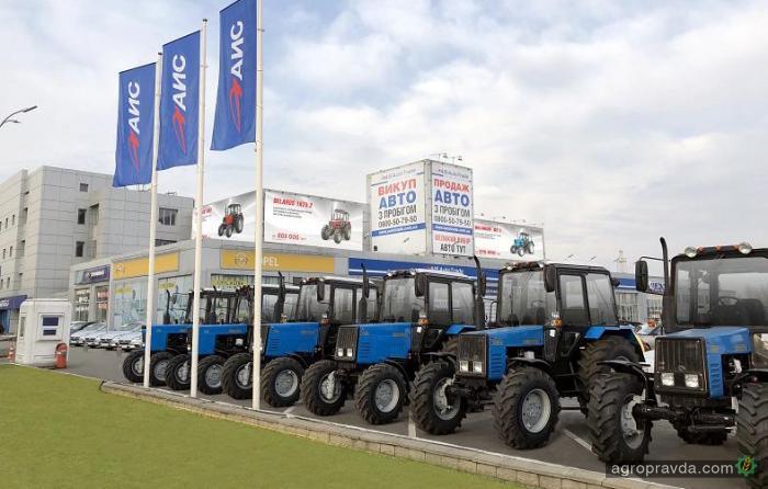 Купить трактор Belarus можно с выгодой до 30 000 грн.
