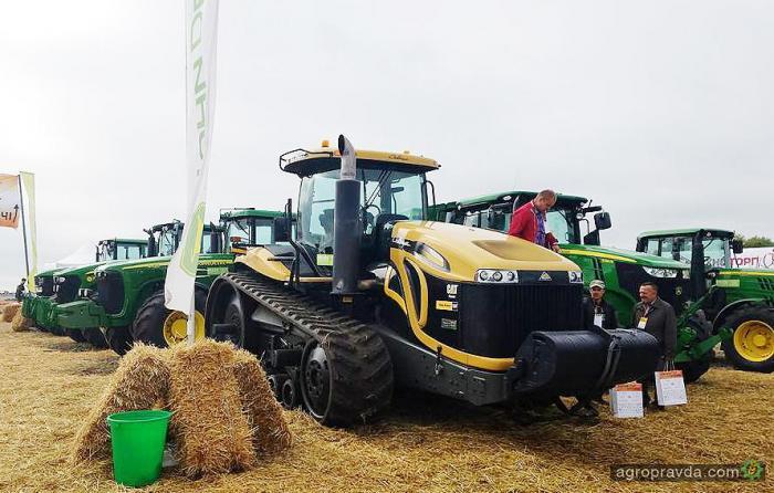На Битве Агротитанов представили десятки моделей автомобилей для аграриев - Агро