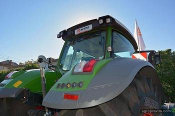 В Черкассах состоялся парад сельхозтехники. Фото
