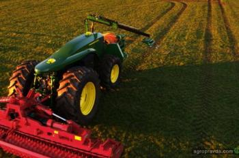 John Deere тоже разрабатывает автономный трактор