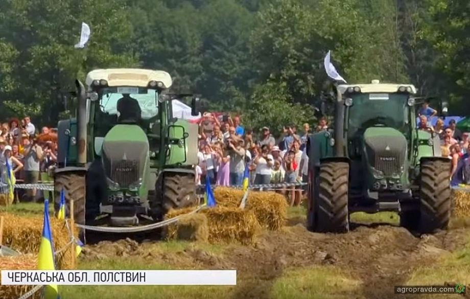 Тракторы Fendt «гоняли» на Трактор Фест. Видео