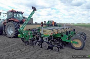 В Украине начаты испытания сеялки Great Plains YP825A