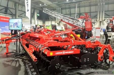 «Лозовские Машины» представили технику в Великобритании