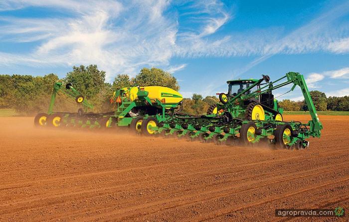 John Deere представил скоростную систему посева 2015-го года