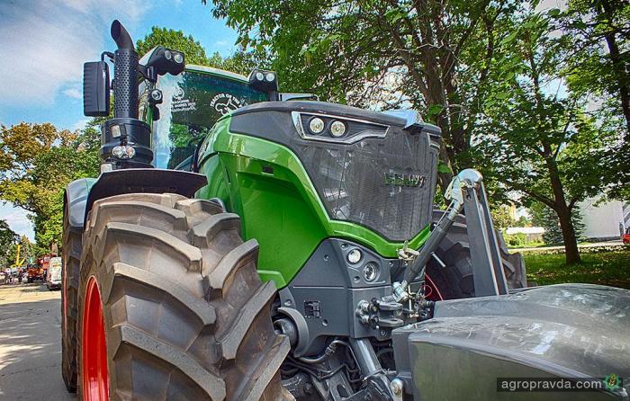 Тест-драйв трактора Fendt 1000 Vario на дорогах Украины. Видео