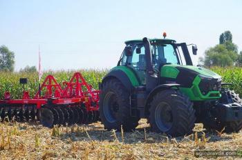Под Киевом продемонстрировали флагманский трактор Deutz-Fahr