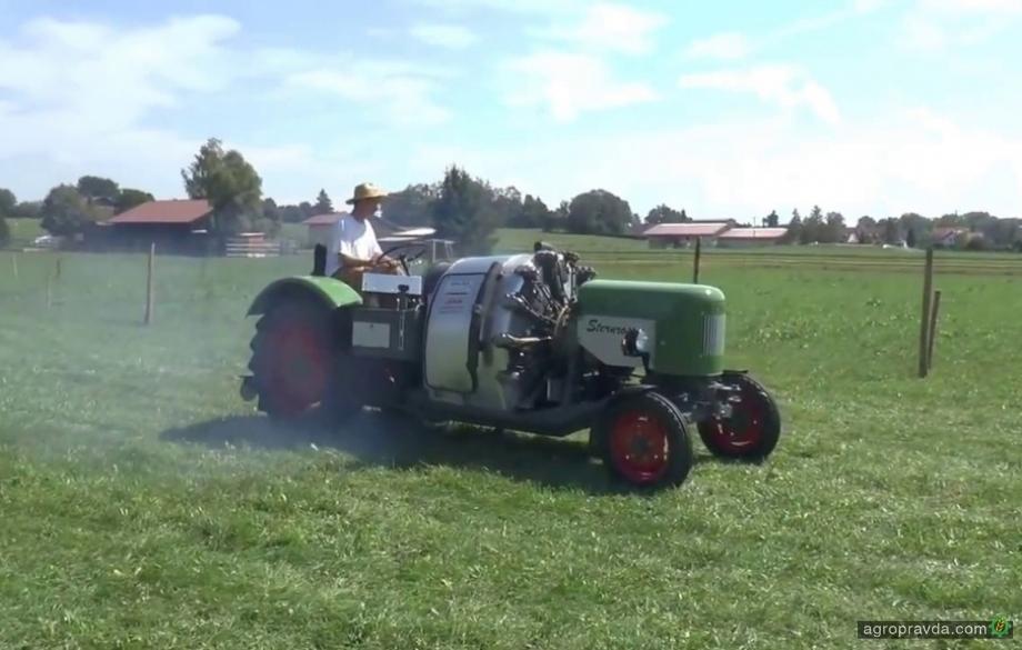Умелец установил на трактор двигатель от самолета. Видео