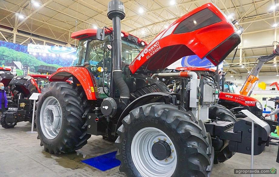 В Киеве впервые представили 240-сильный трактор YTO нового поколения