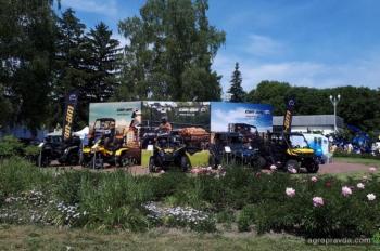 В Киеве на агровыставке представили квадроциклы Can-Am. Фото
