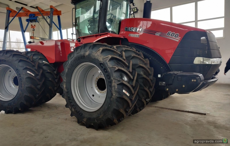 В Украину привезли мощные тракторы на $100 млн.