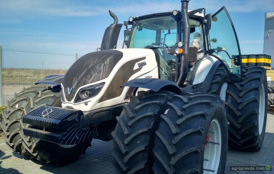 Полтавский ГОК закупил тракторы Valtra