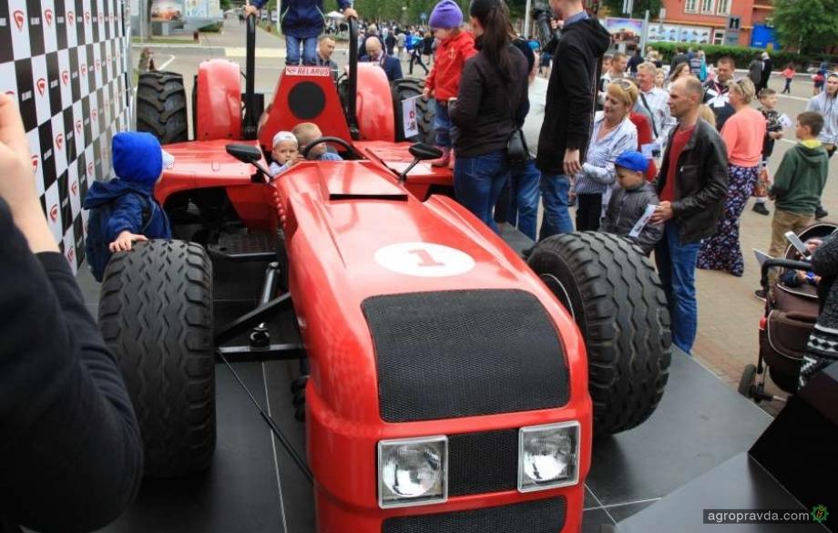 На МТЗ сделали трактора гоночный болид