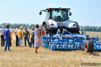 Технику CLAAS и LEMKEN продемонстрировали на Дне поля в Харьковской области