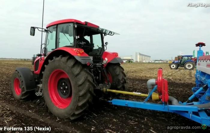 Что может чешский трактор Zetor на посеве украинской кукурузы. Видео