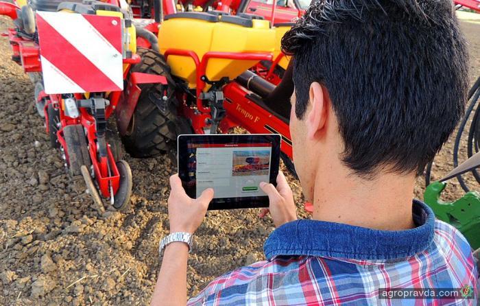 Vaderstad придумал как управлять сеялкой с помощью iPad
