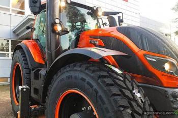 Valtra подготовила очередной «дизайнерский трактор»