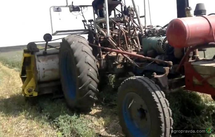 Самодельная косилка на базе трактора Т40. Видео