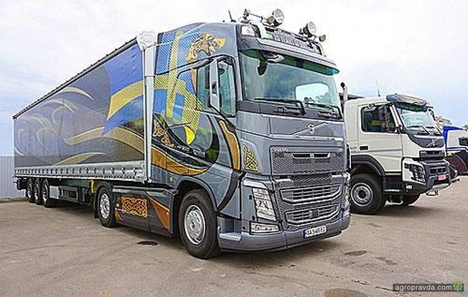 Водителей грузовиков и автобусов хотят обязать подтверждать квалификацию каждые 5 лет
