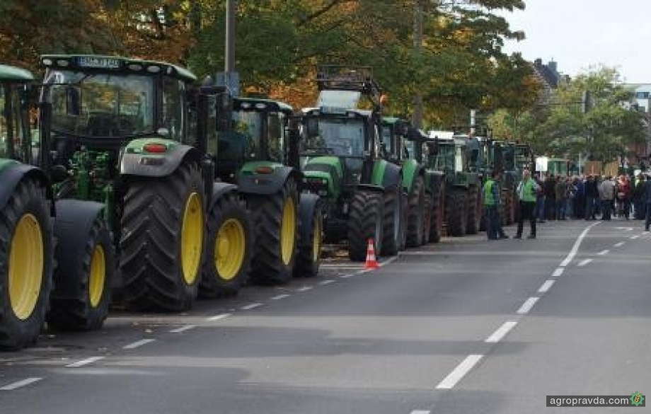 Аграрии вывели трактора на улицы Германии