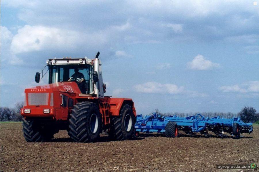 В Украине начнут выпускать новый трактор