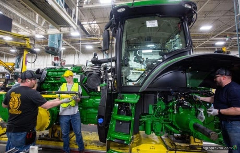 John Deere объявляет об увольнениях и спаде продаж