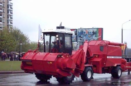 Как появился первый беларусский зерноуборочный комбайн