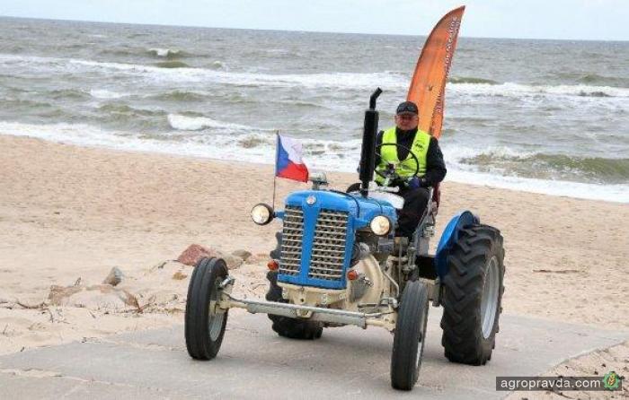 Энтузиаст на тракторе Zetor отправляется в 2000-километровый пробег