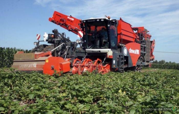 Dewulf представил новый картофелеуборочный комбайн RA3060