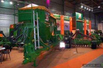 На выставке в Украине представили сельхозтехнику до показа в Европе