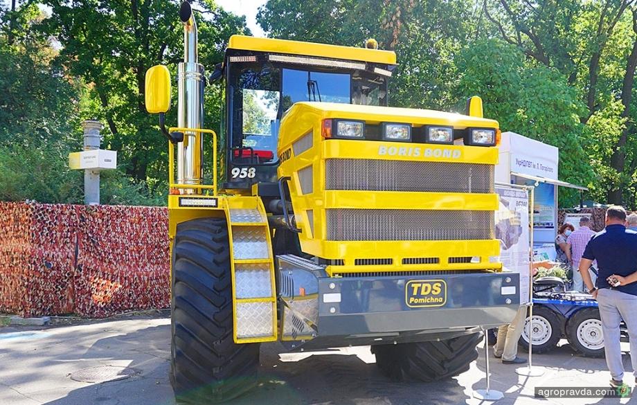 На Агро-2020 представили сверхмощный трактор украинского производства