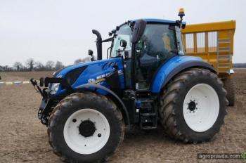 Трактор New Holland T5.120 получил титул Лучшего трактора спецназначения