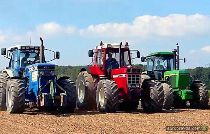Легендарные тракторы 80-х в работе. Видео