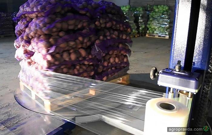 Как роботы пакуют картофель. Видео