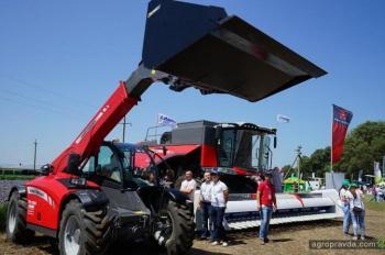АМАКО на Международном форуме аграрных инноваций представила мощную сельхозтехнику