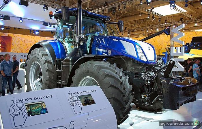 New Holland сделал прорыв в 300-сильных тракторах
