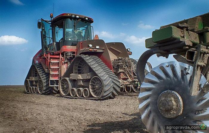Самый мощный трактор оснастят бесступенчатой трансмиссией
