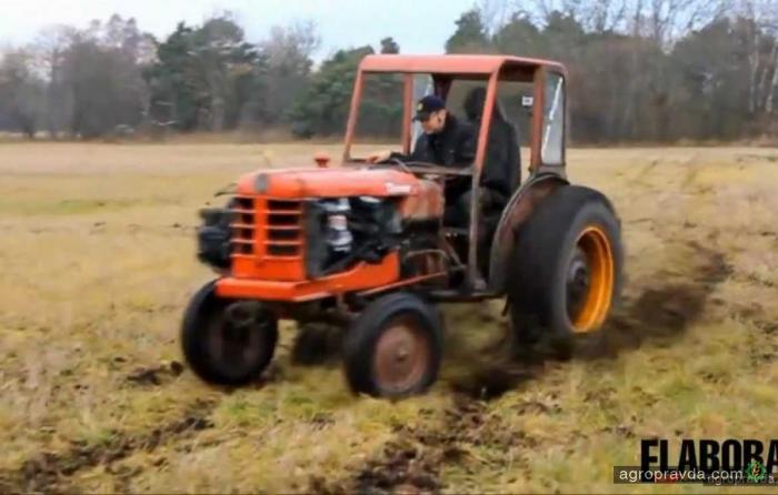 Турбо-трактор в дрифте. Видео