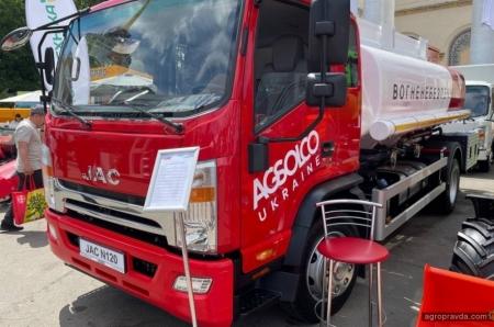 Украинским аграриям предложили 8-кубовые топливозаправщики на шасси JAC N120