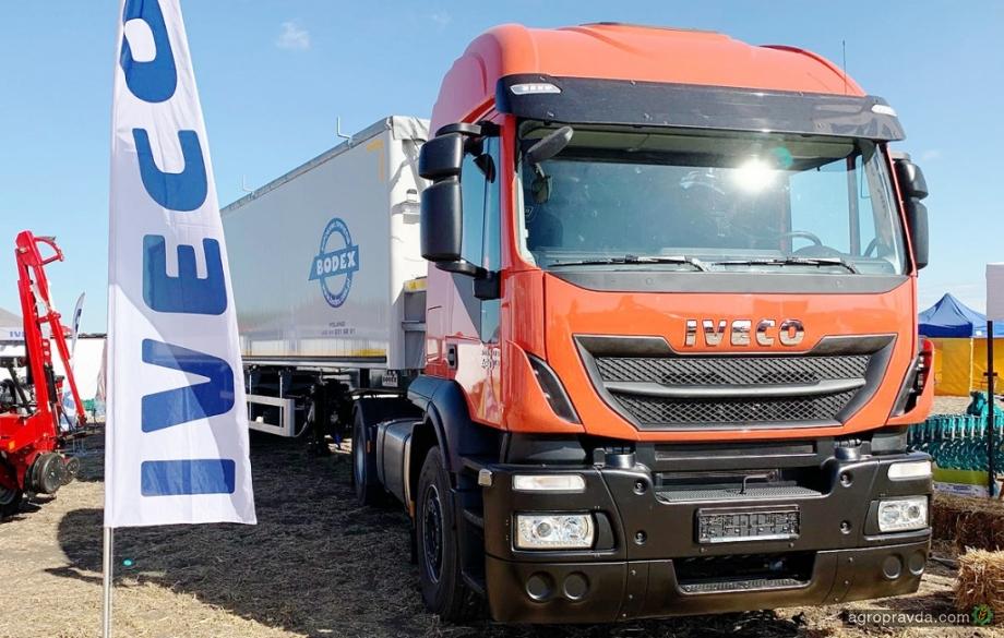 В Украине представили обновленный сельхозсамосвал IVECO Agro Stralis 480